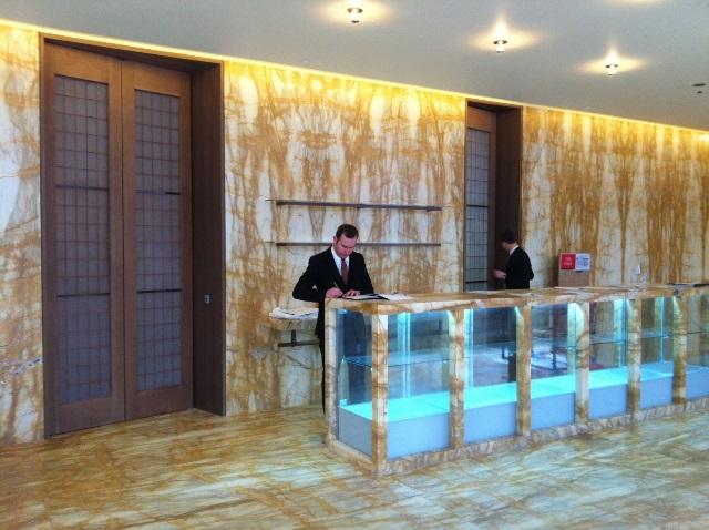 Stile italiano su misura per i serramenti dell hotel caf for Piccoli piani di costruzione dell hotel